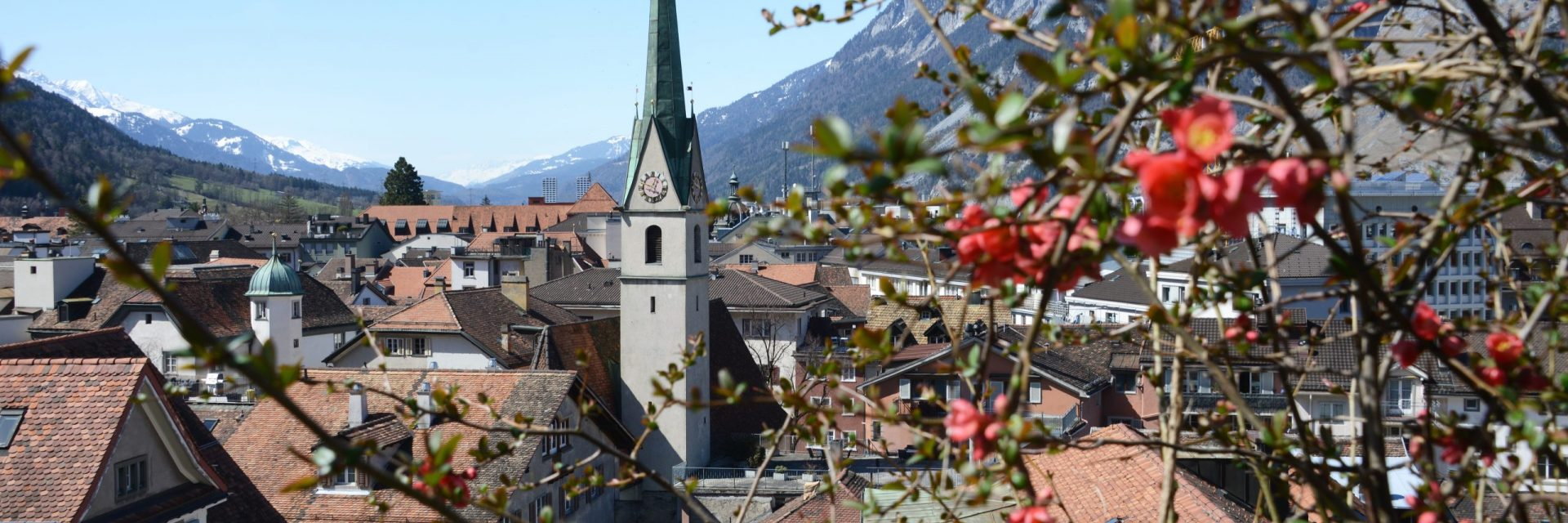 Regula, Frühling, Kirchen